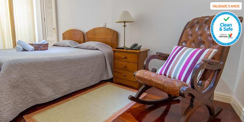 Comercial Azores Guest House - Ponta Delgada   Estadia com Visita à Estufa de Ananases