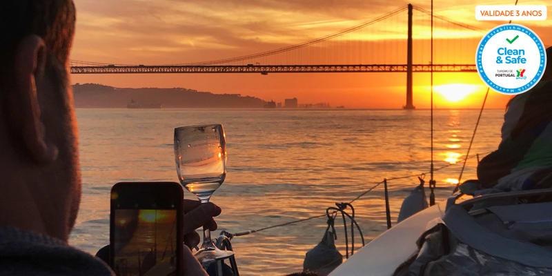 Passeio Romântico ao Pôr-do-Sol no Rio Tejo c/ Oferta de Copo de Vinho - 2 Horas   Rent a Boat