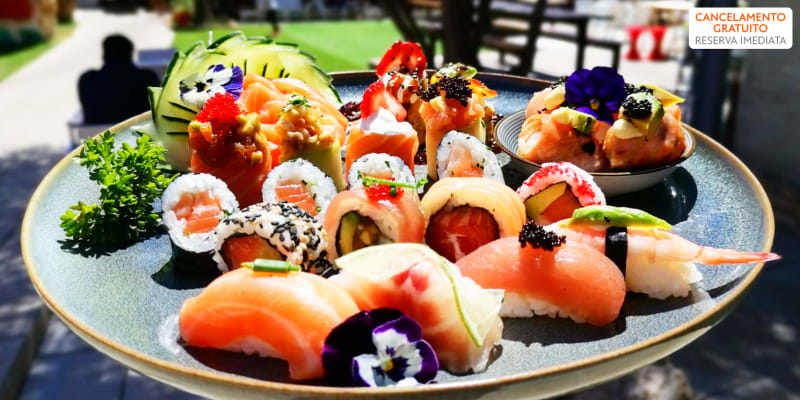 Sushi & Sashimi para Dois! Combinado de 50 Peças | Mercado da Romeira - Almada