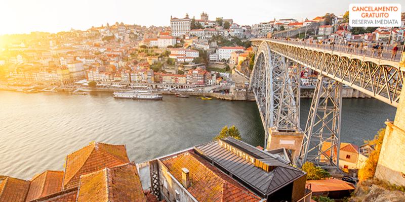 Hotel Royal - Porto   Estadia com Opção Passeio de Comboio e Visita a Caves com Prova de Vinhos