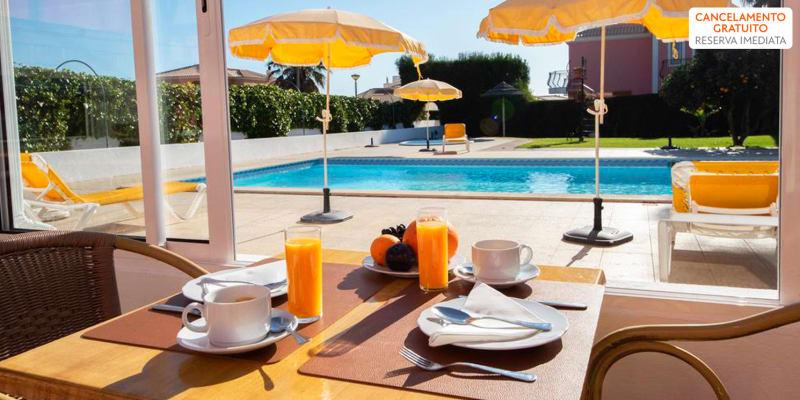 Terraço do Solar Guest House - Lagos | Estadia Romântica no Algarve com Opção Entradas Parques