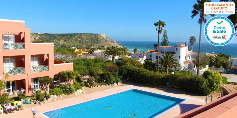 Hotel Belavista da Luz 4* - Praia da Luz   Estadia Junto ao Mar com Opção Meia-Pensão e Entradas Zoo de Lagos