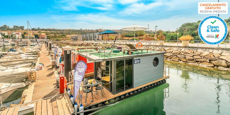 The Homeboat Company - Albufeira | Estadia Flutuante em Barco Casa com Opção Pack Romântico e Entradas Parques