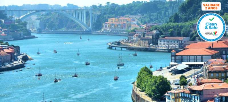 Cruzeiro no Douro em Embarcação Vintage «Mathilda» | 1h ou 2h | Até 10 Pessoas