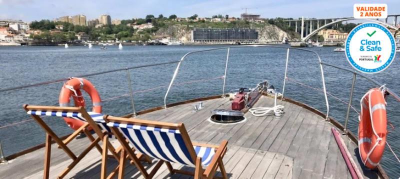 Tours em Iate Clássico no Rio Douro   2 Pessoas    Vintage Port