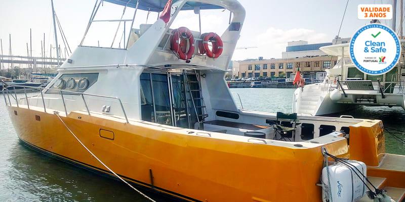 Passeio no Tejo em Catamaran a Motor | 2 ou 10 Pessoas | Até 4 Horas | Lazy Lisbon Cruises