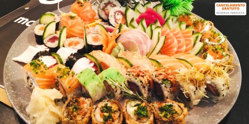Irresistível! Sushi, Sashimi, Guiozas, Temakis e Sobremesa para Dois | Masaaki - Venda do Pinheiro
