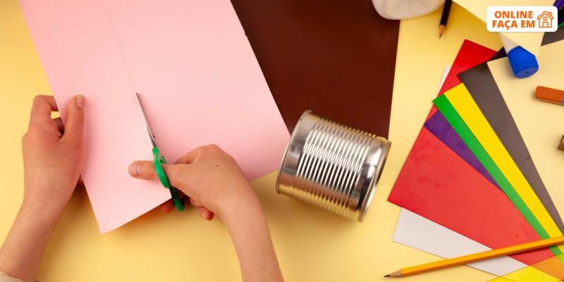 Aula «Lixo? Não, Arte» Online em Directo - 40 Min   Beatriz Morgado Babysitting
