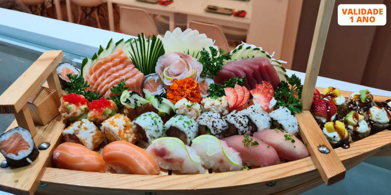 Combinado de 50 Peças de Sushi & Sashimi + Entradas do Chef para Dois | Costa da Caparica