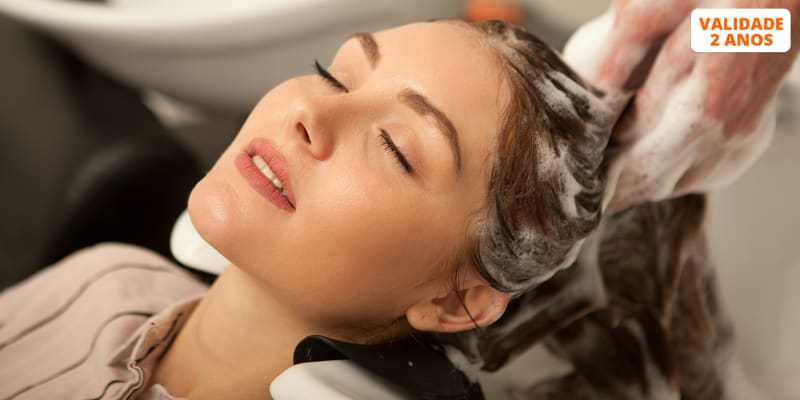 Massagem Hair Spa c/ Aromaterapia + Brushing c/ Top Stylist c/ Opção Corte e Manicure | Factory Hair Artisans - Lisboa