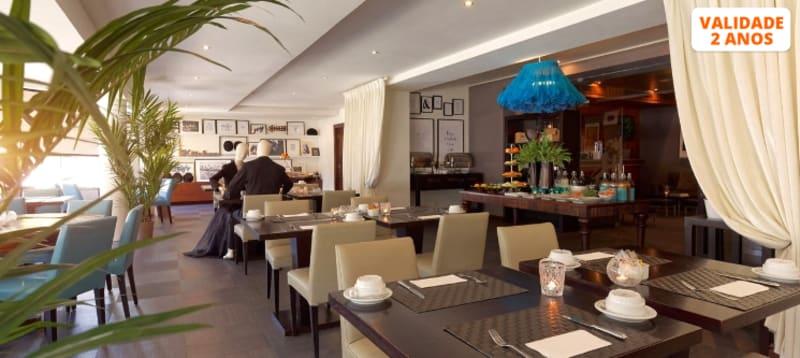 Sabores à la Carte no Restaurante Belle Epoque para Dois   Estoril