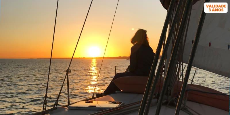Passeio de Barco à Vela no Tejo - 2 ou Até 10 Pessoas | 2 ou 4 Horas | Lisbon Fun Sail