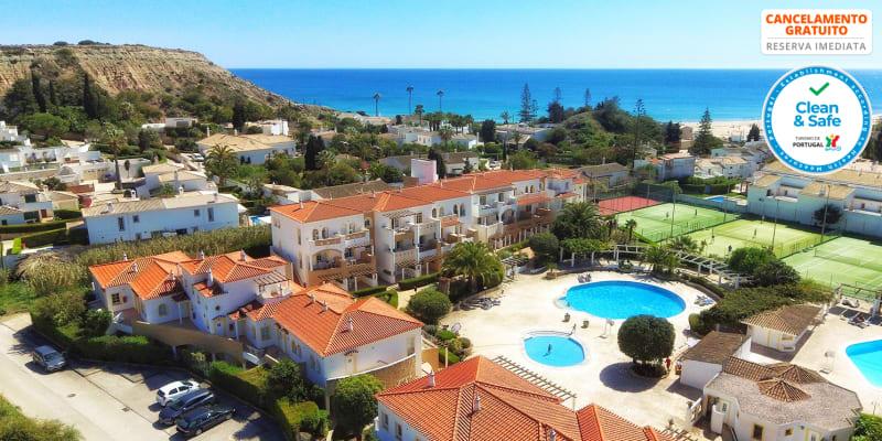 Luz Bay Hotel 4* - Algarve | Estada Romântica com Opção Jantar