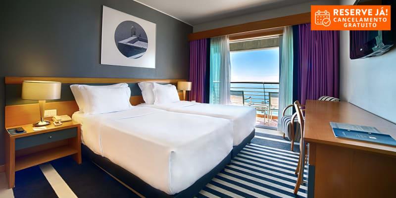 SANA Sesimbra Hotel 4* | Estadia Junto ao Mar com Piscina Aquecida & Jacuzzi