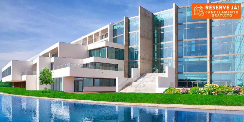 Algarve Race Hotel 5*   Férias em Família com Opção Meia-Pensão ou Pensão Completa