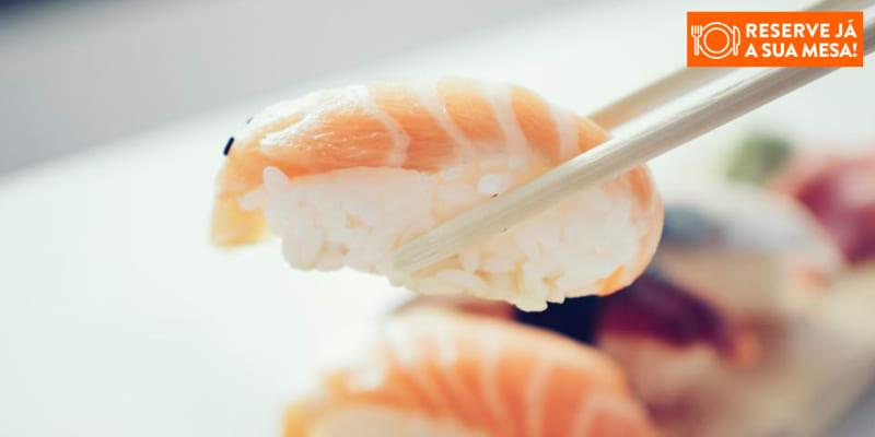 Combinado de 40 Peças de Sushi & Sashimi a Dois | Niwa Sushi Bar - Parede