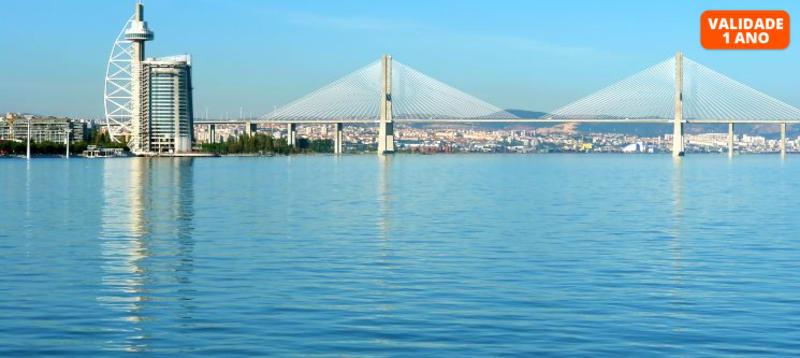 Passeio de Luxo em Iate Exclusivo para 6 Pessoas | Lisboa Monumental e Parque das Nações - 2 Horas