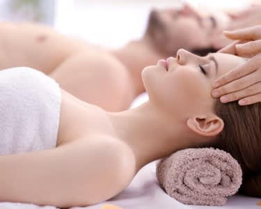 Spa Prestige: Esfoliação, Massagem & Hidratação Rosto para Dois | 2 Locais