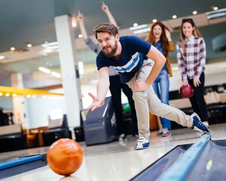 Bowling para Dois c/ Lanche no Bowling House   5 Locais à Escolha!