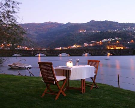 Casas de Pousadouro - Baião   Estadia no Vale do Douro com Opção Jantar