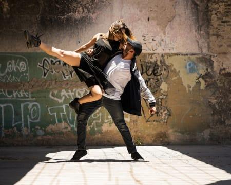 Aula de Dança à Escolha - Latinas, Africanas, Orientais, Urbanas e Muito Mais! 1 ou 2 Pessoas | Vila Nova Gaia