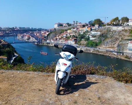 Tour Scooter Lovers by FeelMoto | 3 Horas | Porto