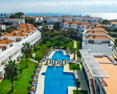Pateo Village - Albufeira | Estadia em Apartamento T0 com Piscina Junto à Praia