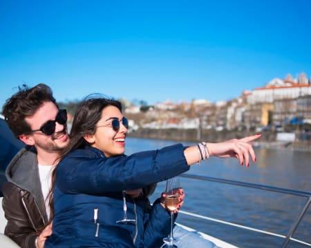 Cruzeiro Exclusivo em Barco Americano Clássico Willow no Rio Douro - Até 6 pessoas | 2 Horas