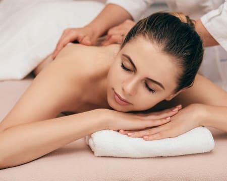 Momento Exclusivo de Bem-Estar! Massagem de Relaxamento - 50 Minutos   Braga