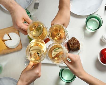 Jantar em Cascais + Jarro de Vinho para Dois   Salpicos Selvagens