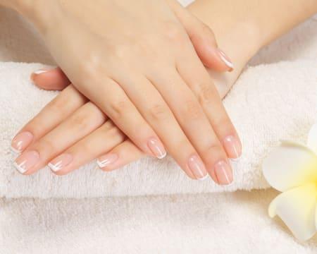 Unhas Perfeitas! Manicure Gelinho c/ Opção Pedicure c/ Verniz Normal, Parafina ou Gelinho | Santos