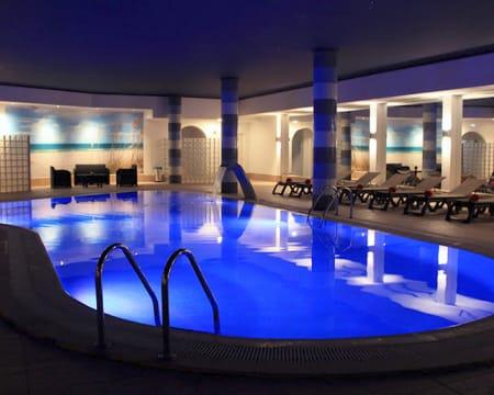 Circuito de Águas Ilimitado + Massagem à Escolha para Dois | Relaxamento Especial no Algarve