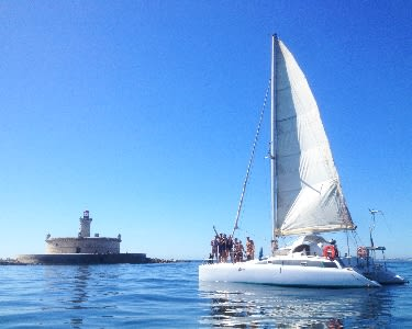 Passeio em Catamaran Exclusivo até 8 Pessoas por Lisboa ou Cascais   2, 4, 6 ou 8 Horas
