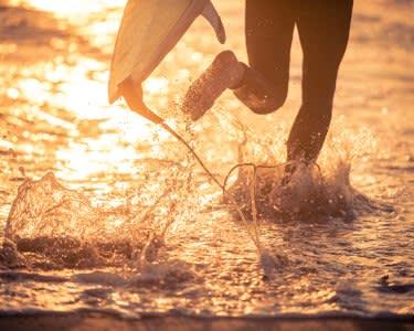Baptismo de Surf na Praia de Ribeira D´Ilhas - 1h30 | 1 ou 2 Pessoas | Ericeira
