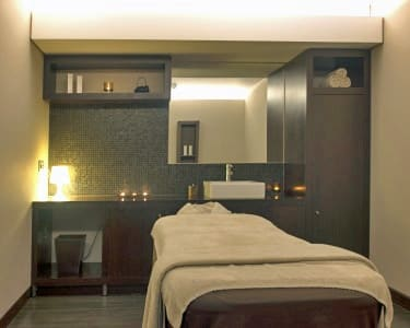 Sweet & Relax Massage no Holmes Place Spa | 45 Minutos