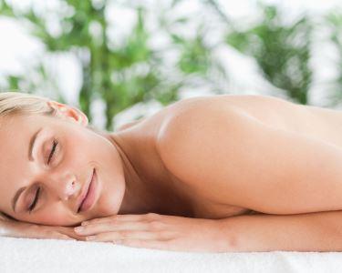 Massagem Bambu | Espaço Essências - Day SPA e Terapias
