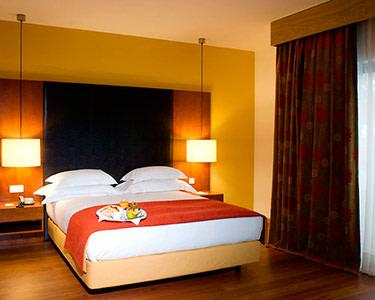 Lezíria Parque Hotel   Estadia de 1 Noite Romântica com Jantar