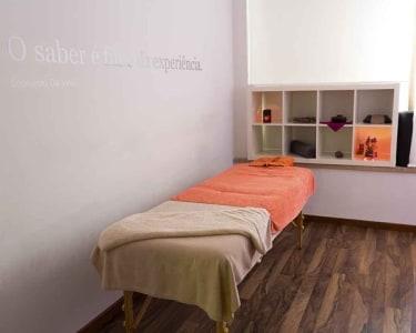 Massagem Óleos Quentes & Mel para Ele | 1 Pessoa - 50 Min. | Espaço Essências