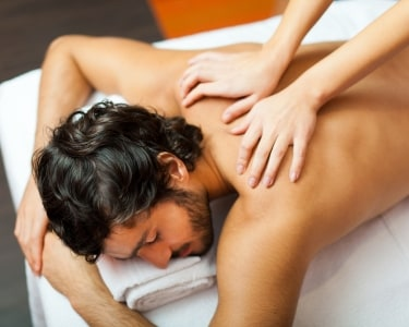 Massagem Óleo Hidratante para Ele | 1 Pessoa - 45 Min. | Arte Estética