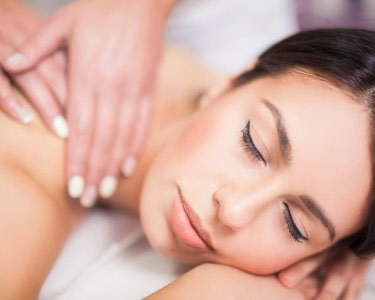 Massagem Relax e Limpeza Pele a 2 | Maluhia Beauty & Care Clinic