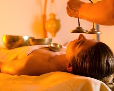 Massagem & Taças Tibetanas | 1 Pessoa - 50 Min. | MS Terapias & Estética