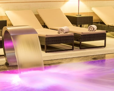 Water Experience 4* + Massagem | 2 Pessoas - 2h | Spa Satsanga Collection