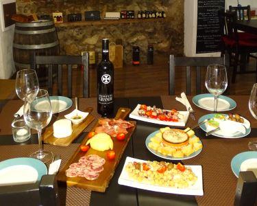 Vinarium Wine & Tapas |  Petiscos e Vinho Branco