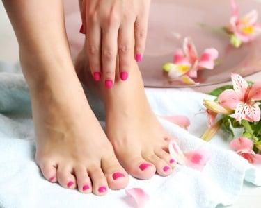 Manicure + Pedicure + Hidratação + Massagem | Xana Cabeleireiros