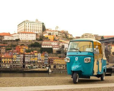 Tour em Tuk Tuk «The Best of Porto» + Prova de Vinho a 2