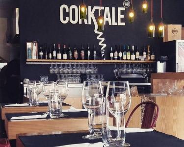 Corktale Wine Bar   Petiscos e Copo de Vinho