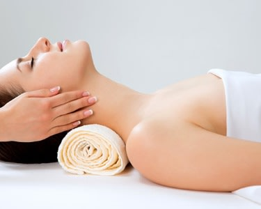 Massagem Relax e Mini-Facial a 2 | Corporación Medical Esthetic