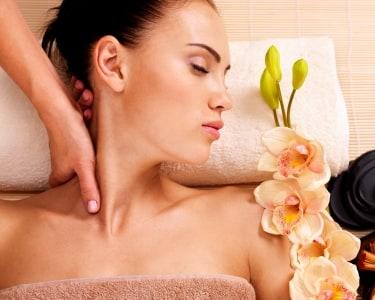 Massagem Terapêutica Costas & Pescoço + Chá | Curar - Centro de Terapias Naturais