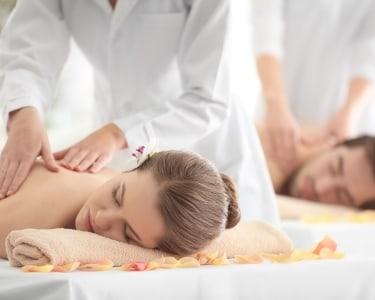 Massagem Aromática de Relaxamento + Esfoliação a 2 | DivaSpa