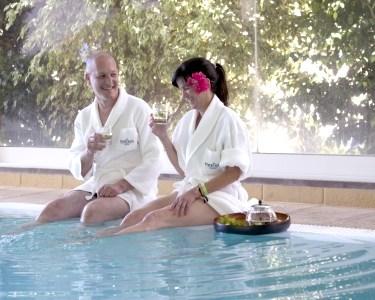 Massagem, Circuito e Chá a 2 | Dorisol SPA